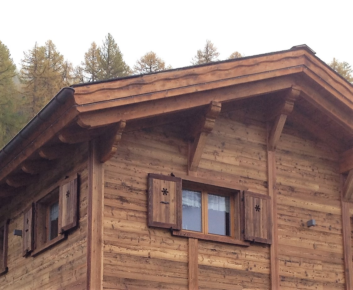 Chalet arredamento simple soggiorno with chalet for Piani di casa chalet moderni